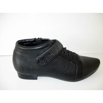 Juodi laisvalaikio batai V. Vini