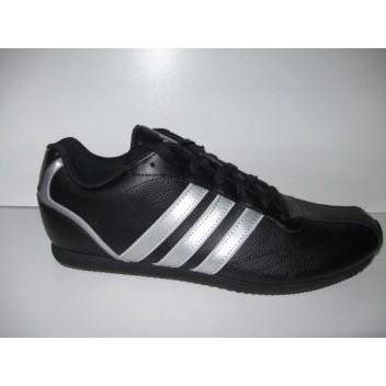 Juodi vyriški sportiniai bateliai Adidas